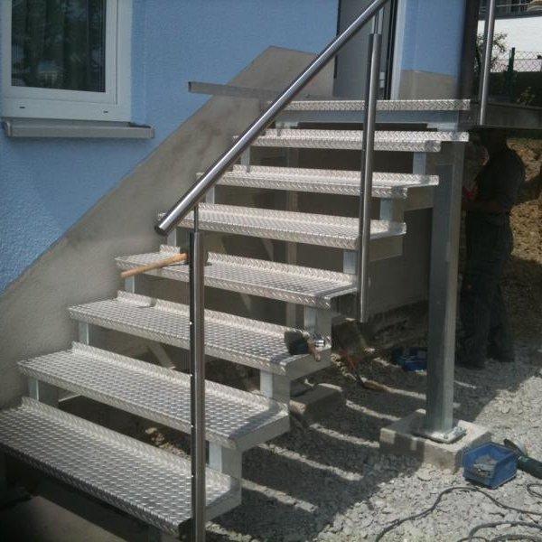 Neue Zugangstreppe Reihenhaus Birkenfeld